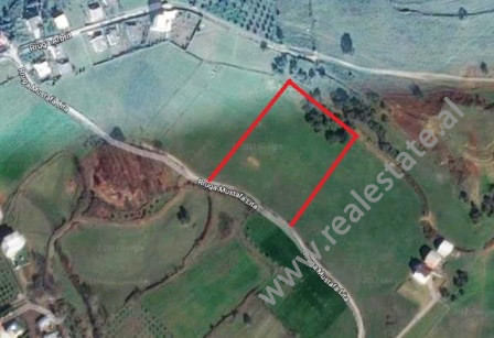 Land for sale close to Paskuqan lake in Tirana. It is situated close to the main road and has easy