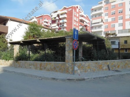 Land and 1-storey building for sale in Zallit Street in Tirana. The land has an area of 242m2 and t