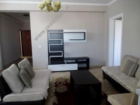 Apartament 2+1 per shitje ne rrugen Hajdar Hidi ne Tirane. Apartamenti ndodhet ne katin e 7-te te n