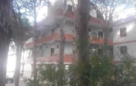 Hotel per shitje ne zonen e Golemit ne Durres. Hoteli ka nje siperfaqe trualli prej 2000 m2 k