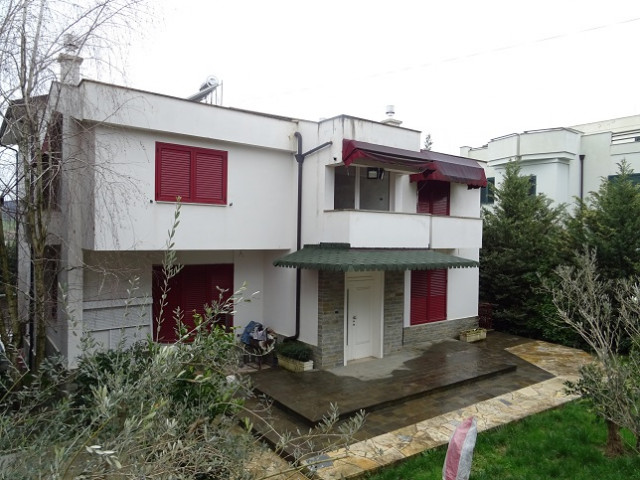 Villa for rent in Sauk area in Tirana.