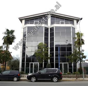5-storey villa for rent close to Tirana-Elbasan highway close to Sauk roundbound. It offers total a