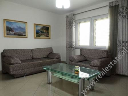 Apartament 1+1 per shitje ne rrugen Fadil Rada, ne Tirane. Apartamenti ndodhet ne katin e gja