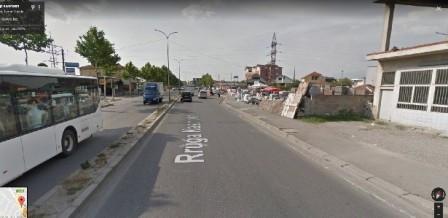Toke per shitje ne rrugen Kastriotet ne Tirane. Pozicionohet ne vijen e pare te rruges kryesore gji