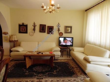 Apartament 3+1 per shitje ne rrugen Ramazan Demneri ne Tirane. Apartamenti ndodhet ne katin e trete