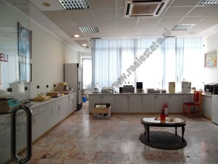 Office for rent in Ekspozita area in Tirana.