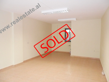 Store space for sale in Tirana. The store is positioned on the 1st floor of a new building, with 40