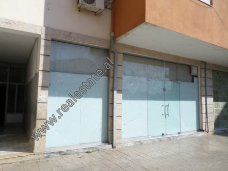 Store for sale in Muhamet Deliu street in Fresku area, in Tirana.  It is located on the first floo