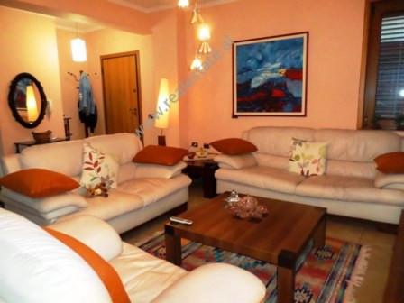 Apartament 1+1 me qera ne rrugen Mine Peza ne Tirane. Apartamenti ndodhet ne katin e 6te te nje pal