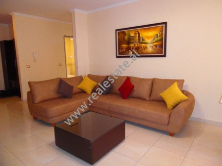 One bedroom apartment for rent close to Mine Peza street.