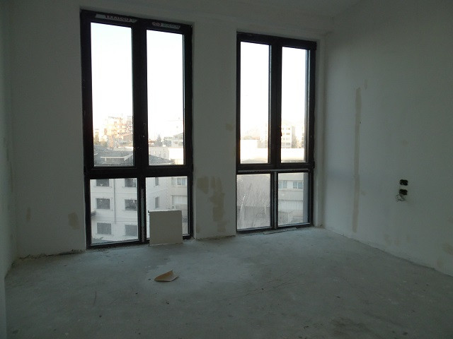 Office space for rent in the new business center in Tirana. It is located on the 3nd floor of a bra
