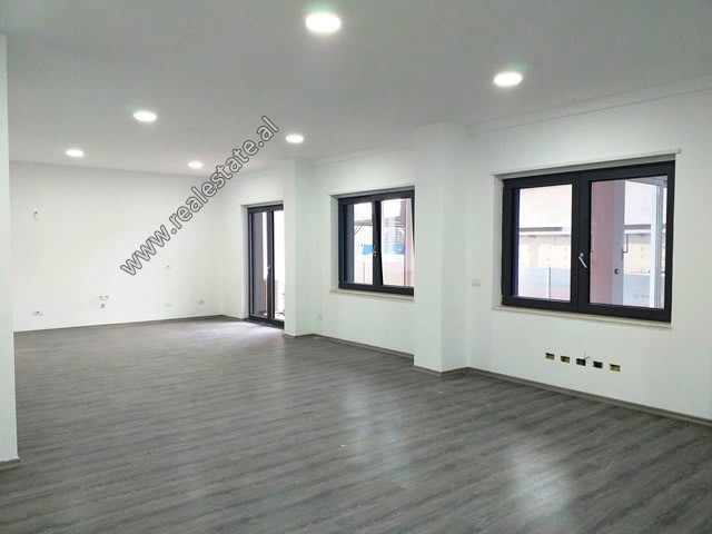 Office space for rent in Zogu i Zi roundabout in Tirana.