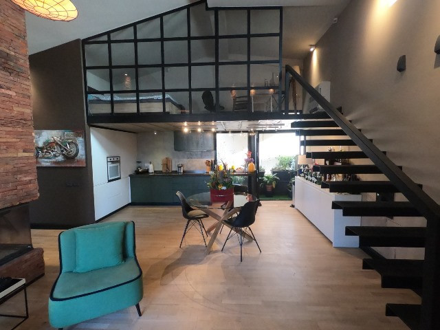 Luxury apartment for rent in Selita e Vjeter street in Tirana, Albania. It is located on the 4-th f