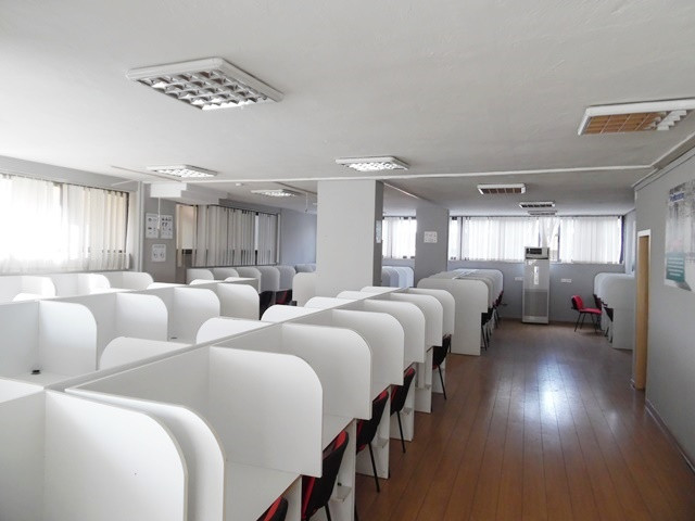 Office for rent in Muhamet Gjollesha street in Tirana, Albania.  It is located on the second floor