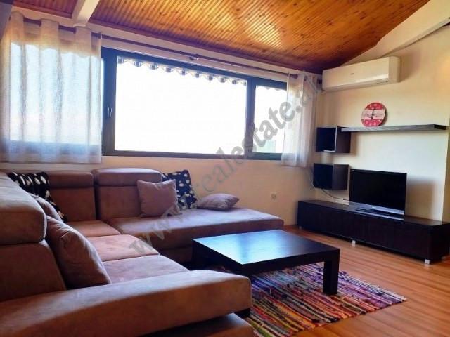 Apartament 2+1 me qera prane rruges Myslym Shyri ne Tirane.  Ndodhet ne katin e 10-te dhe te fundi