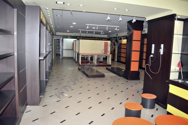 Store space for rent in Durresi street in Tirana, Albania. It is located on the ground floor of an