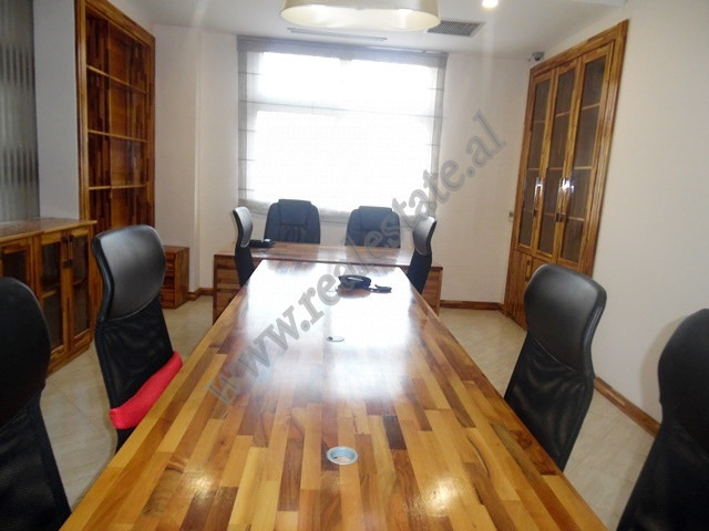 Office space for rent in Kongresi I Tiranes street in Tirana, Albania. It is located on the second