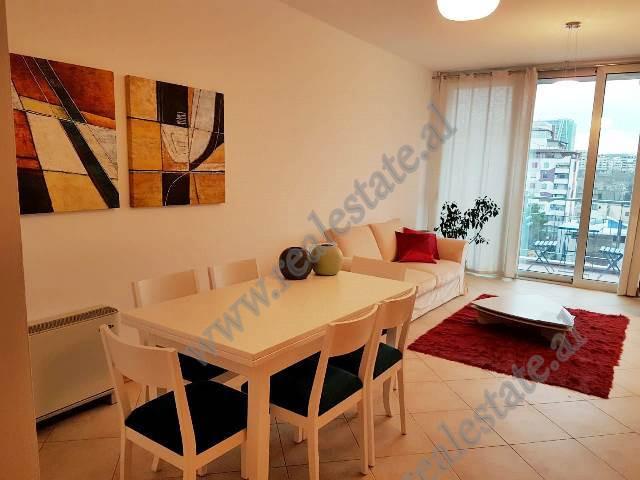 Apartament me qera ne Bulevardin Bajram Curri ne Tirane.  Apartamenti pozicionohet ne katin