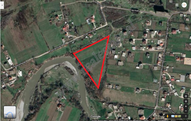 Land for sale in Valias area in Kamez, Tirana, Albania
