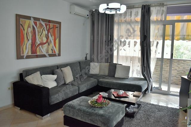 Apartament 3+1 per shitje ne rrugen Hasan Alla ne Tirane. Apartamenti ndodhet ne katin e trete te n