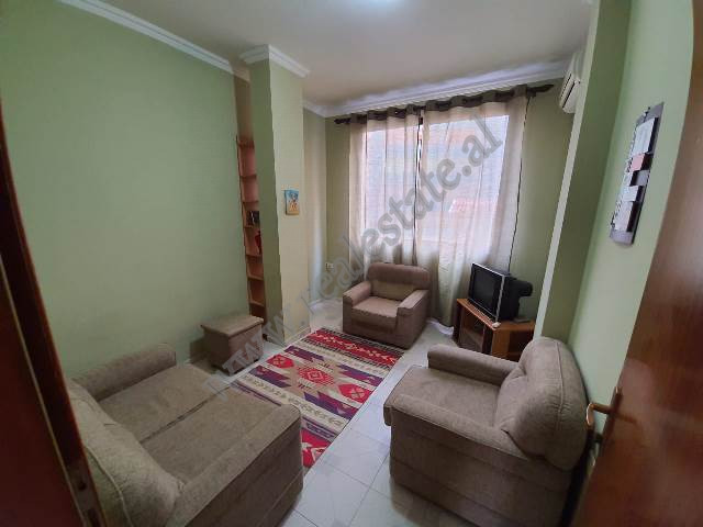 Apartment for rent Gjeneral Nikols in Tirana. Located in the vicinity of the American Embassy ,one