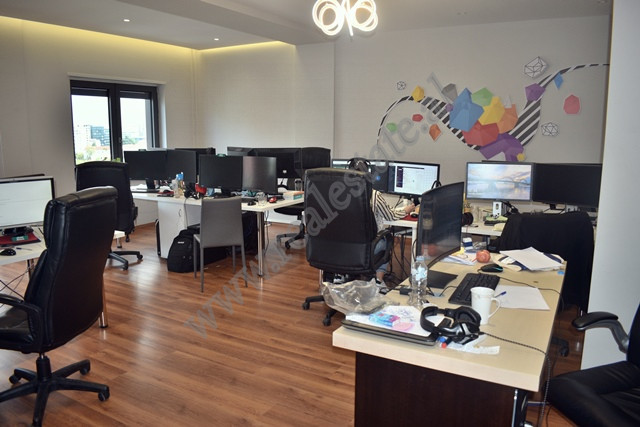 Office space for rent near the Zogu i Zi roundabout in Tirana, Albania