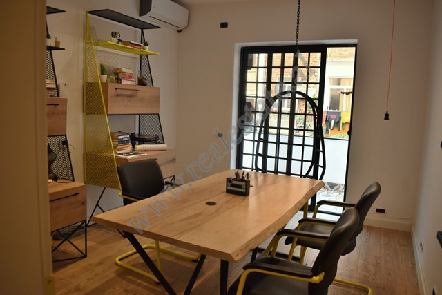 Office space for rent close to Zogu I Zi area in Tirana. The office is situated on the second floor
