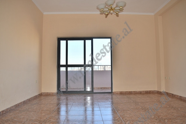 Apartment for sale in Studenti Street, behind the Faculty of Civil Engineering. The house is
