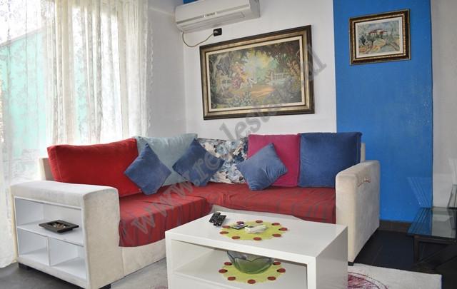 Apartament dupleks me qera tek Kompleksi Vizion Plus ne Tirane.  Pozicionohet ne katin e 10-