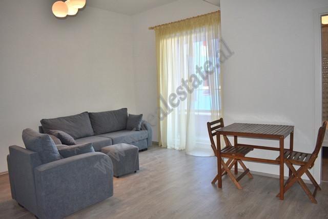 Apartament me qira ne Rrugen Pasho Hysa ne Kompleksin Kontakt Shtepia ndodhet ne katin e 6 te nje n