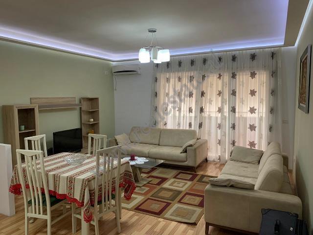 Apartament 2+1 me qira prane Fushes se Ali Demit ne Tirane. Apartamenti ndodhet ne katin e peste te