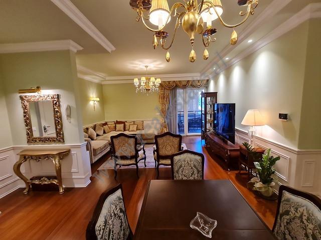 Apartament 2+1 ne shitje ne pallati Eurocol ne rrugen e Bogdaneve ne Tirane  Ne nje nga pall