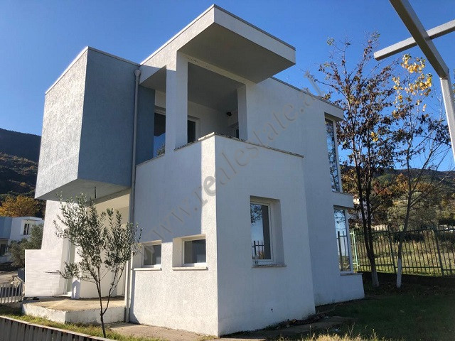 Villa for sale in Berzhita area, very near to Mullet, Tirana District. 