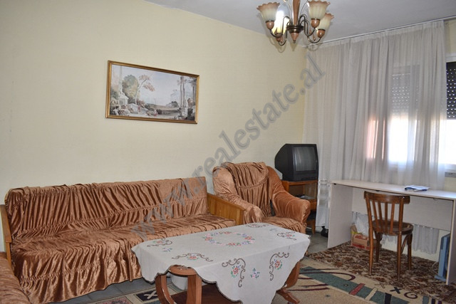 One bedroom apartment for sale in Pandi Dardha street in Tirana. Located on the fourth but not the