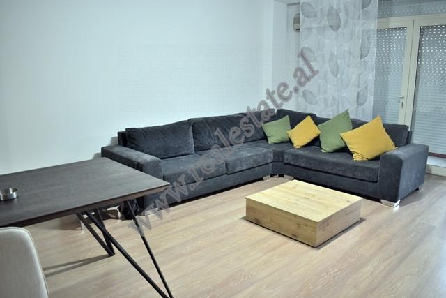 Apartament dupleks ne rrugen Andon Zako Cajupi ne Tirane.  Ndodhet ne katin e 5-te dhe te 6-te te