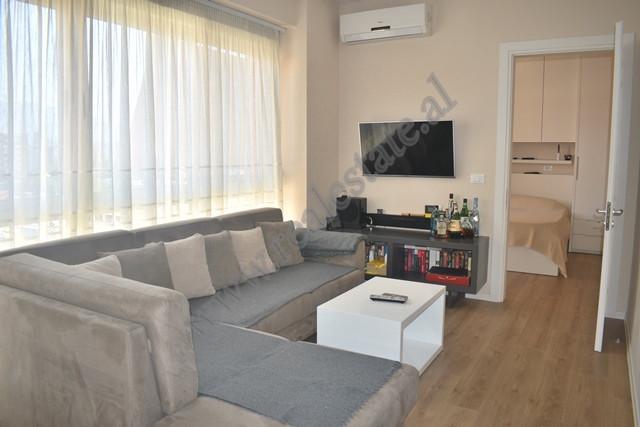 Apartament me qira ne Kompleksin Delijorgji ne Tirane. E pozicionuar ne nje nga komplekset me te nj
