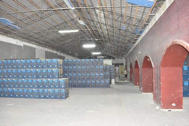 Warehouse for rent in Konferenca e Pezes street in Tirana, Albania. The place has a surface of 1200