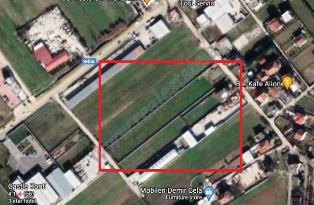 Toke per shitje ne fshatin Vaqarr ne Tirane. Trualli aktualisht ka statusin are me parametra 20 met
