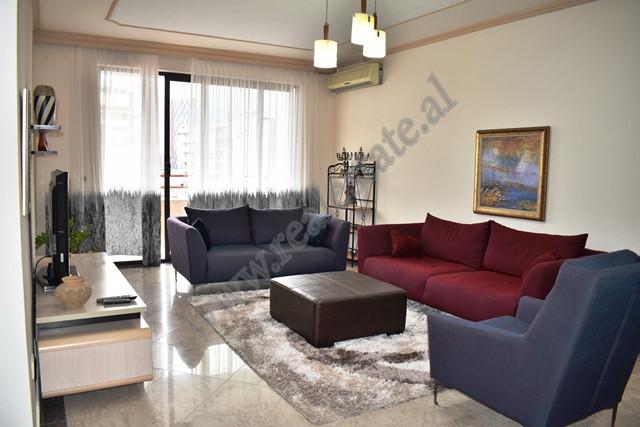 Apartament 2+1 me qira ne rrugen Nikolla Tupe ne Tirane. Pozicionohet ne katin e tete te nje pallat