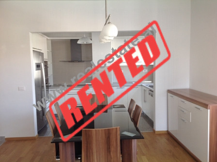 Apartament me qera ne residencen Touch of Sun ne Tirane.  Residenca ndodhet ne afersi te zones se