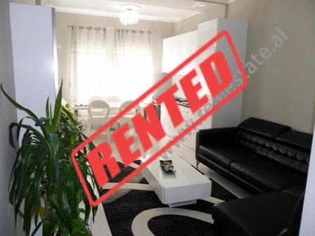 Apartament modern me qera ne krah te bulevardit Bajram Curri ne Tirane.  Ndodhet ne katin e 8-te n