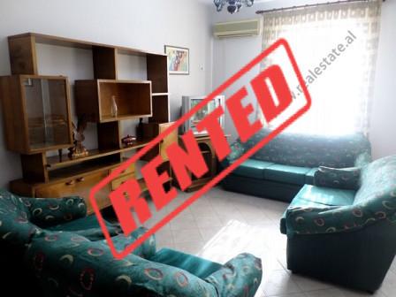Apartament 2+1 me qera ne rrugen Reshit Collaku.  Ndodhet ne katin e 6-te te nje pallati ekzistues