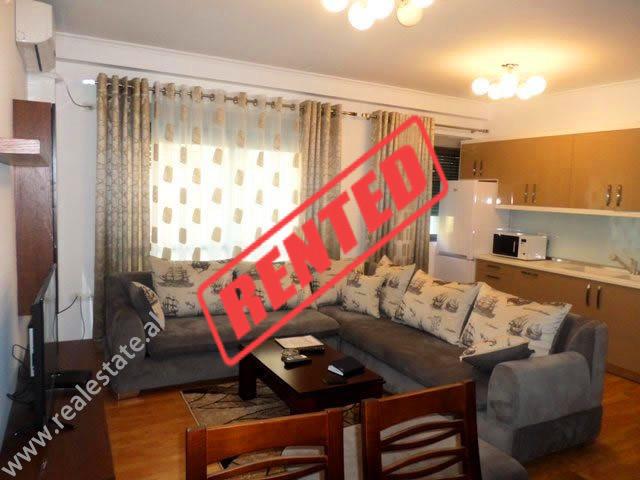 Apartament 2+1 me qera prane Rezidences Kodra e Diellit ne Tirane.  Jane 3 apartamente identike pe