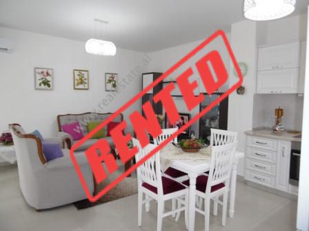 Apartament 1+1 me qera ne kompleksin Magnet ne Tirane.  Apartamenti ndodhet ne katin e shtate te n