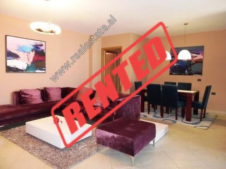 Apartament 3+1 me qera ne rrugen Milto Tutulani ne Tirane.  Ndodhet ne katin e 9-te te nje pallati