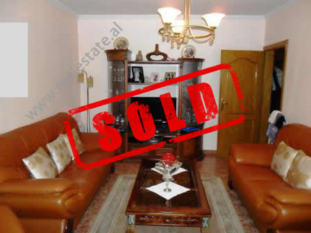 Apartment for sale near Globe Shopping Center in Tirana.  It is situated on the 5-th in an old bui