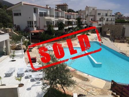 Apartament 2+1 per shitje ne Dhermi, pjese e residences Tarraca e Ullinjeve.  Pozicionohet vetem p