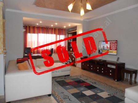 Apartament modern me qera ne rrugen Kostandin Kristoforidhi ne Tirane.  Ndodhet ne katin e 11-te n
