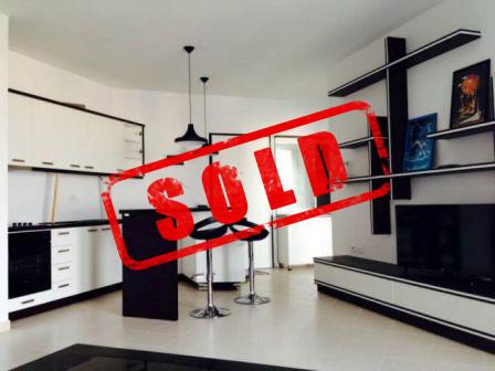 Apartament 1+1 per shitje ne rezidencen Kodra e Diellit ne Tirane  Ndodhet ne katin e 2 te nje nde
