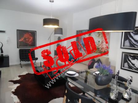 Apartament 1+1 per shitje ne rrugen e Kavajes ne Tirane.  Apartamenti ndodhet ne katin e 4-te te n